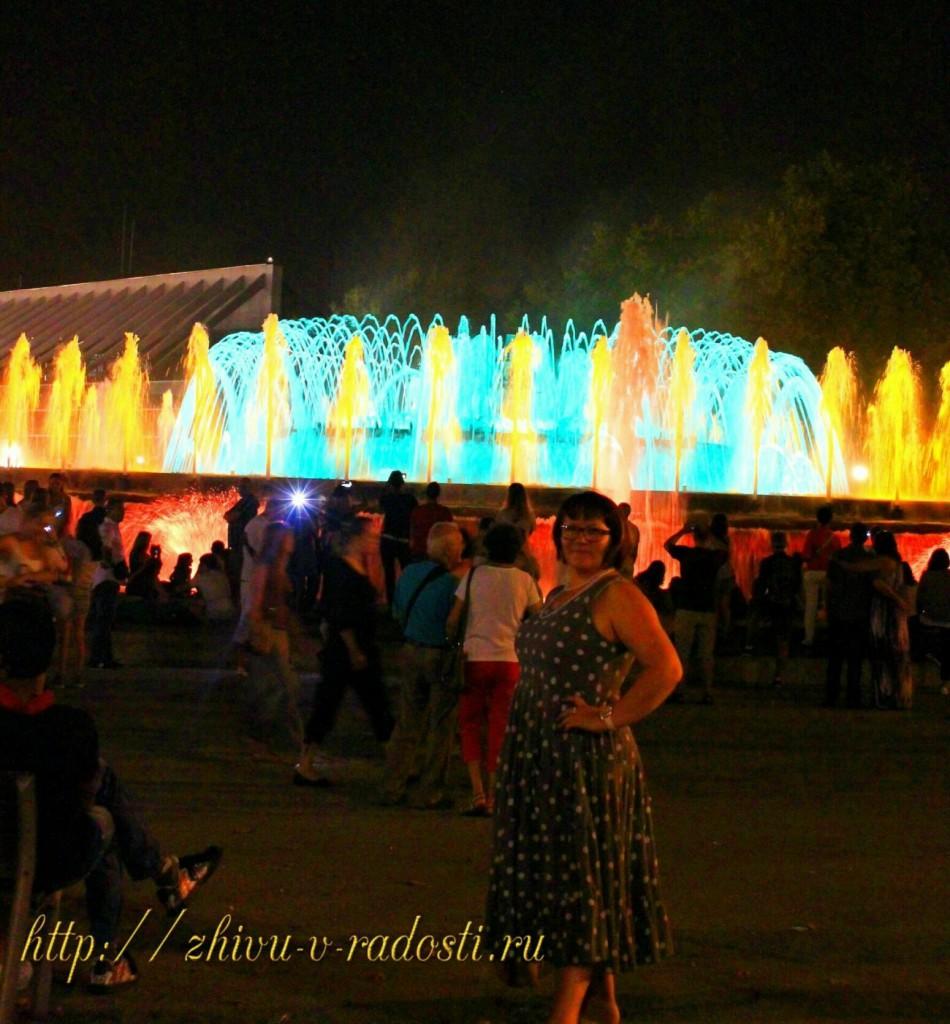 достопримечательности Испании:поющие фонтаны в Барселоне.
