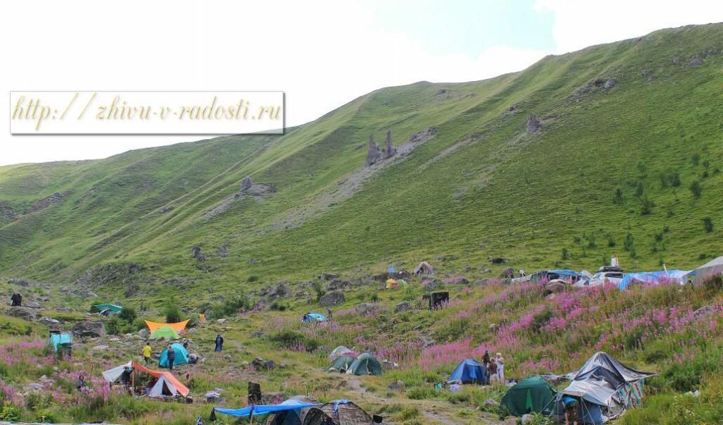 Приэльбрусье, Джилы - Су, Горы Кавказа, фото, палатки
